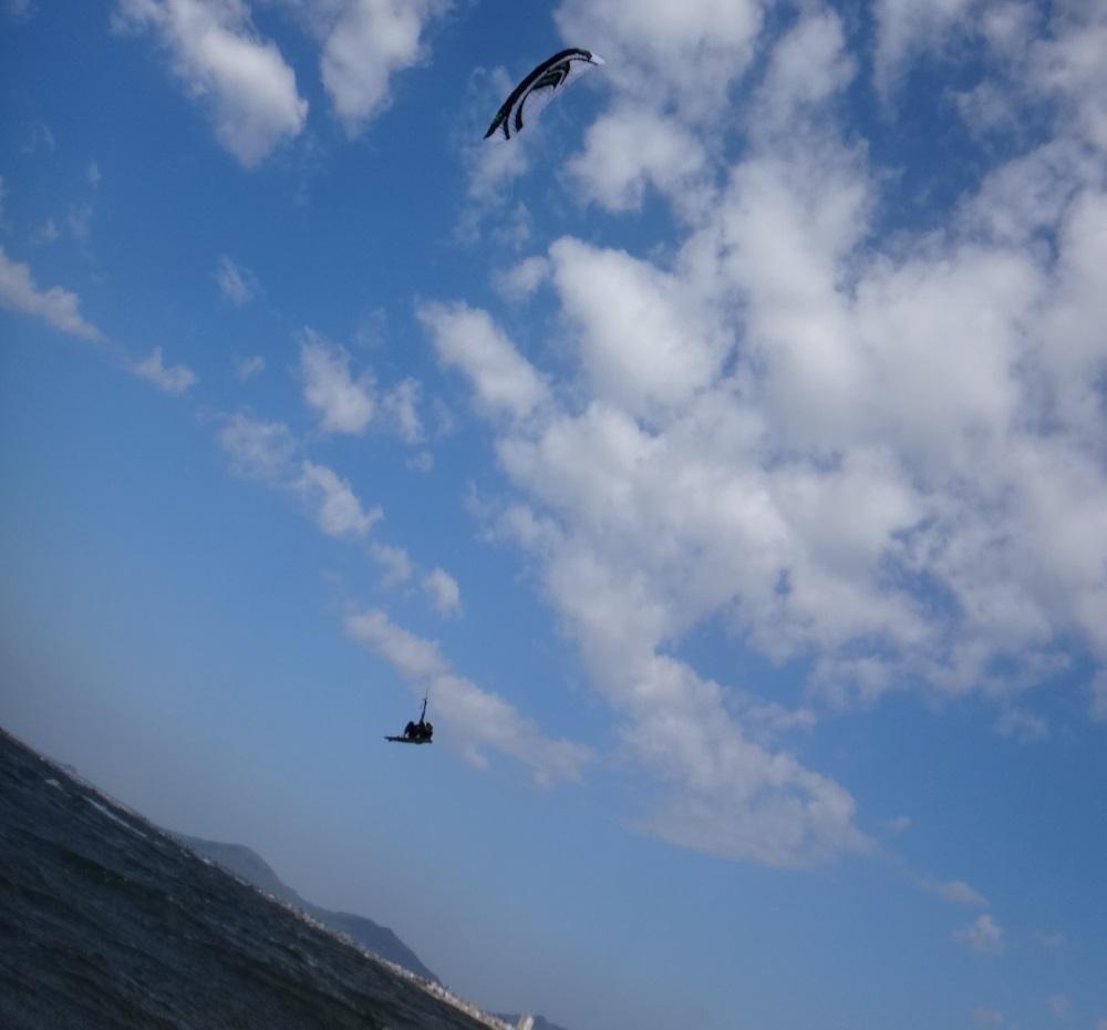 aprender kitesurf bai sau kite beach surf spot Vietnam vung Tau flysurfer kiteschool