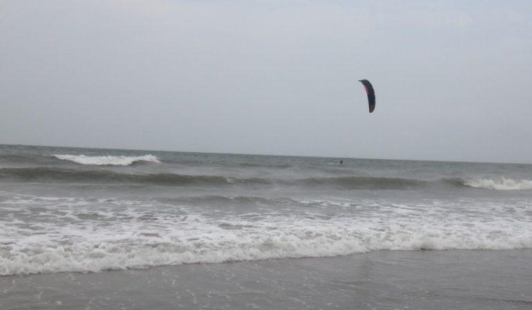Progresja podczas jej kitesurf Kite Beach w Vung Tau