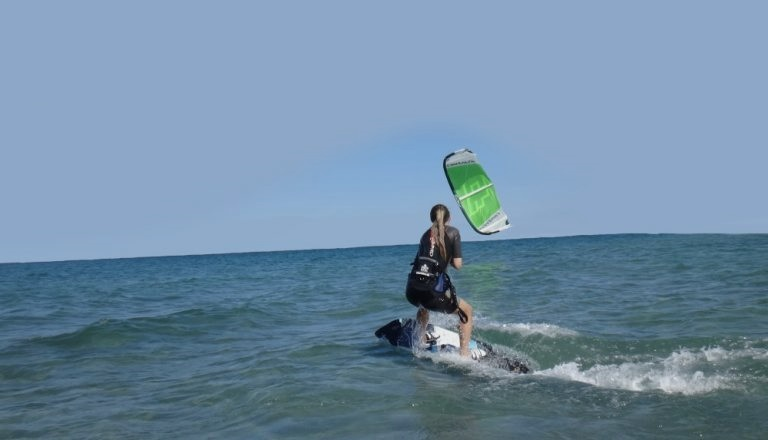 WHY CHOOSE YOUR KITESURF SCHOOL IN VIETNAM?