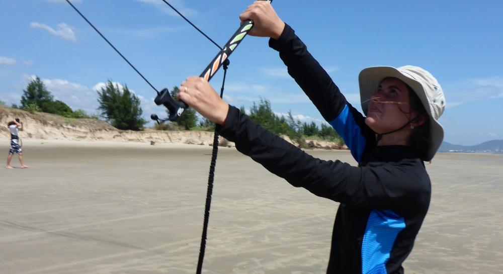 alumna kitesurfing de Kazakistan en Vung Tau curso de kite Vietnam en Diciembre