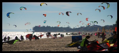 not here please kitesurfing in Vietnam Mui ne busy beach
