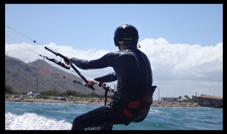 el poder del kite Borja al planeo Kitesurfing lecciones vietnam en Vung Tau la escuela en Vietnam