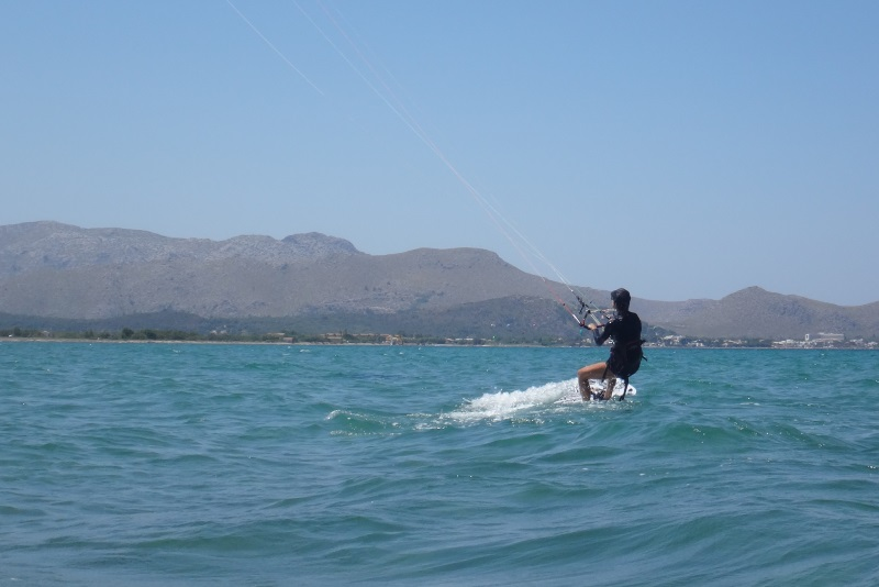 12 leçons de Kitesurf vietnam Flysurfer Speed 5 cours de kitesurf sur de l'eau plate