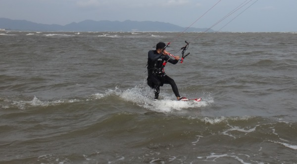 2 Bai Sau on the beach with kitesurfing lessons com