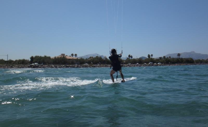 3-flysurfer-kiteschool-Mariona-cours de kitesurf vietnam-kitespot-décembre