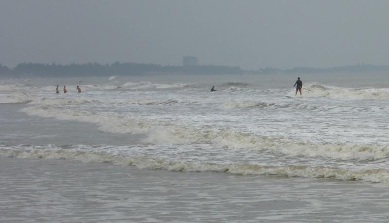 4 on surpasse la barriere des vagues a Vung Tau kite a Vietnamen Novembre