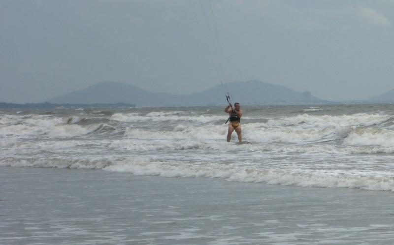 9 apprendre kitesurf a Vietnam à Vung Tau avec kitesurfing lessons Vietnam ecole en Novembre