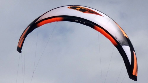12 tube kite Mui ne kite lessons Vung Tau in November