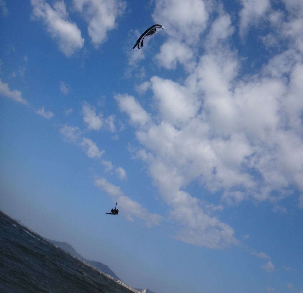 high jump 25 knots vung Tau Vietnam advanced kitesurfing lessons