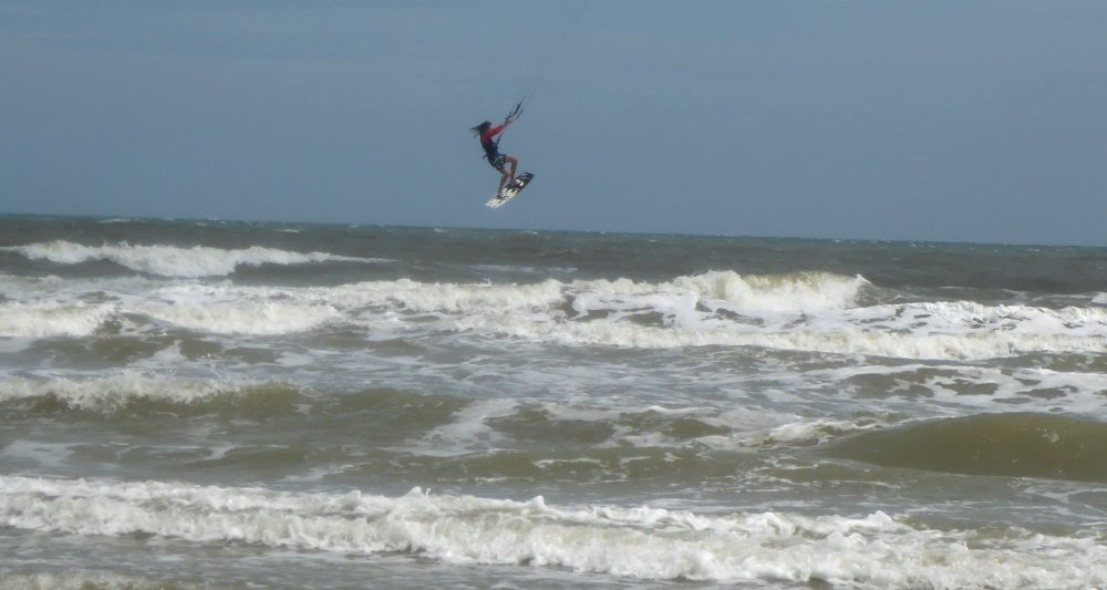2 ramps at Vung Tau kitesurfing beach in November