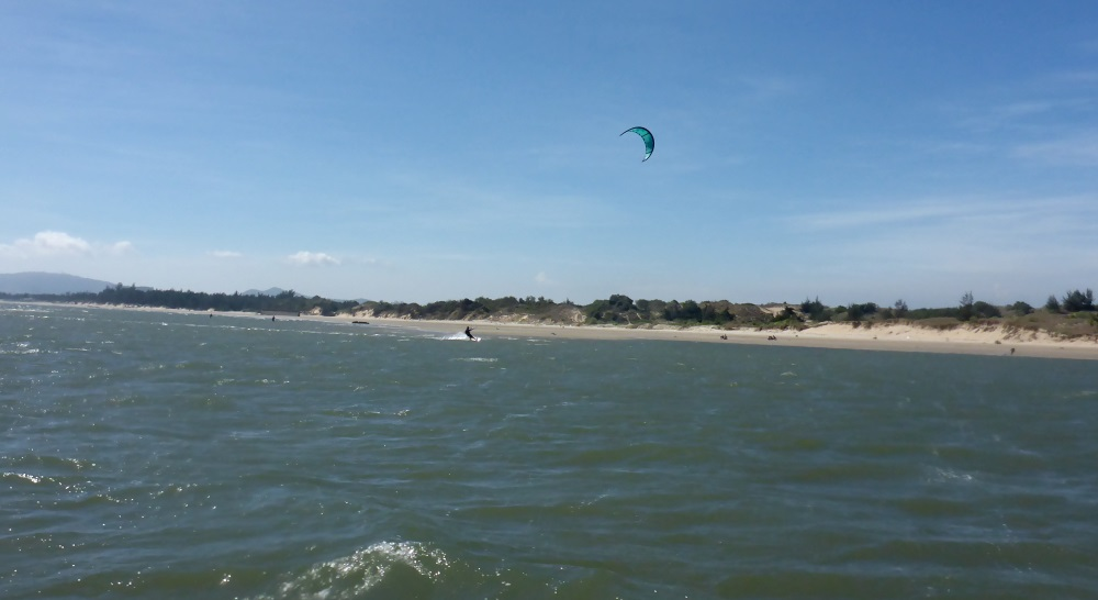 5 learn kitesurfing in your Asia holidays in Vietnam in January