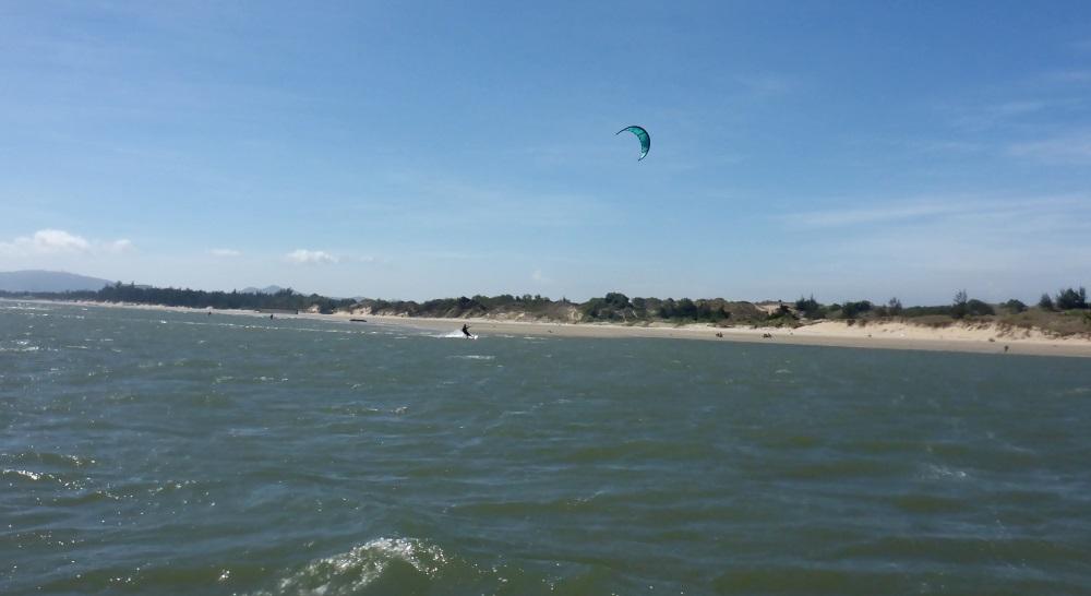 sur ses vacances pur apprendre le kitesurf à Vung Tau