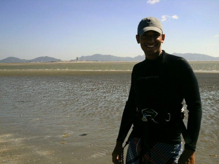 10 low tide at the river in Vung Tau flat water paradise kite spot