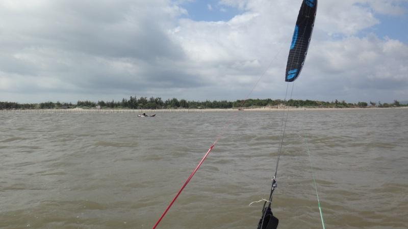 2 Flysurfer Sonic Fr 11 mts Vung-Tau leçons de kite Vietnam