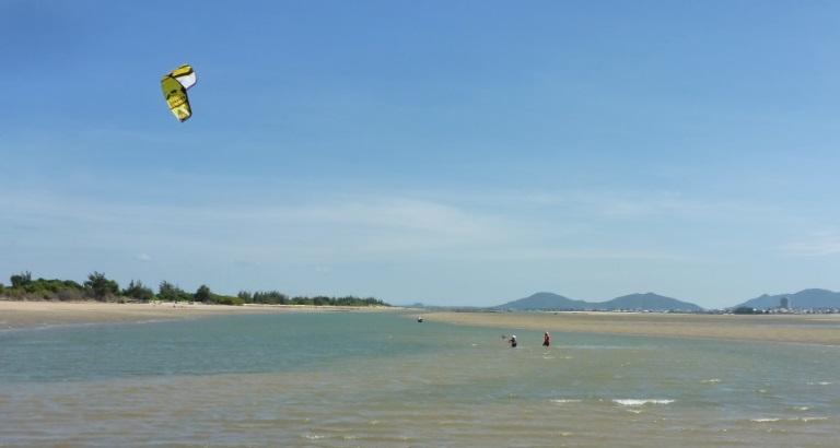 flat water shallow kite spot Vietnam - kitesurfing lessons in Vung Tau