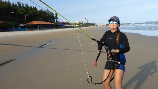 3 at 50 degrees from the ground - kitesurfing lessons in Vung Tau