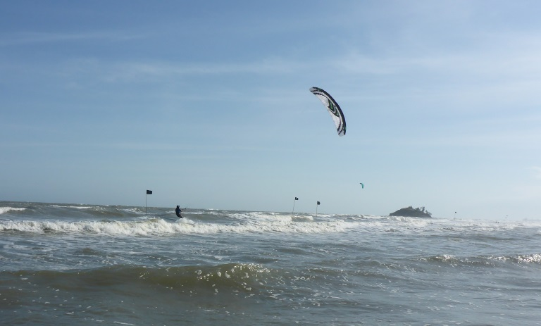 KITESURFING LESSONS IN VUNG TAU IN SEPTEMBER