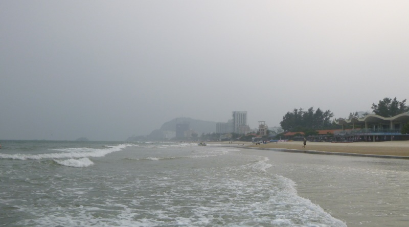 windless day in Vung Tau beach - end of October
