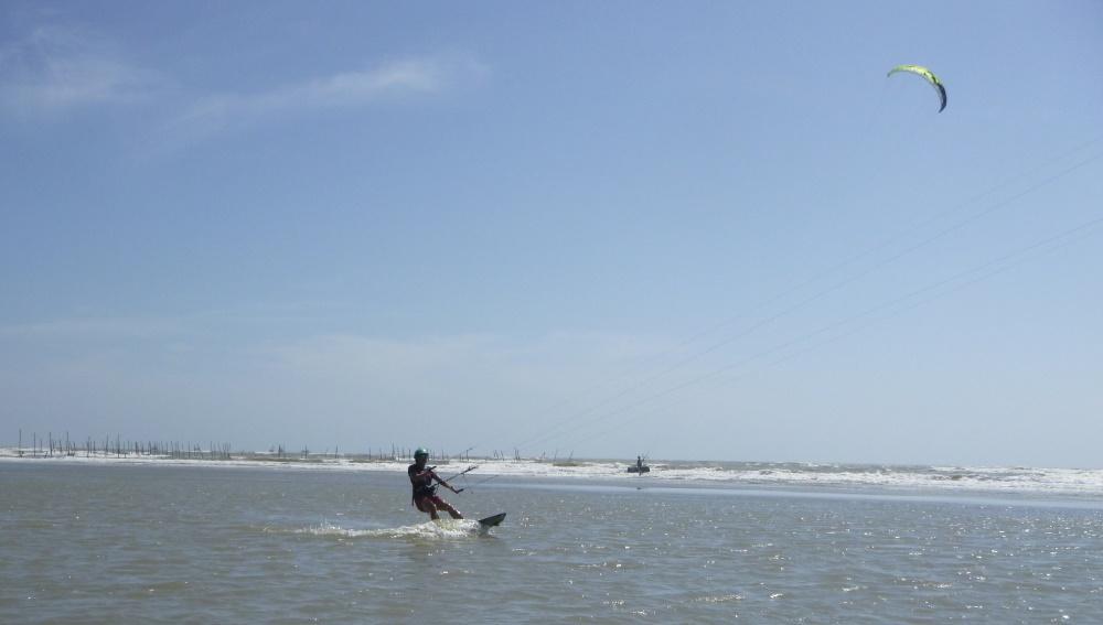 13 lướt ván diều ở Vũng Tàu