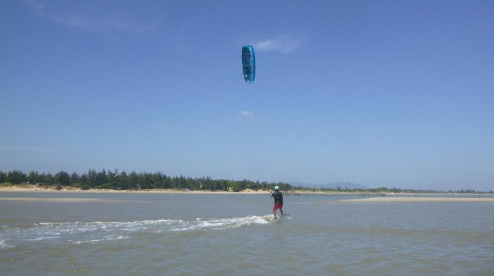 19 lướt ván diều ở Vũng Tàu