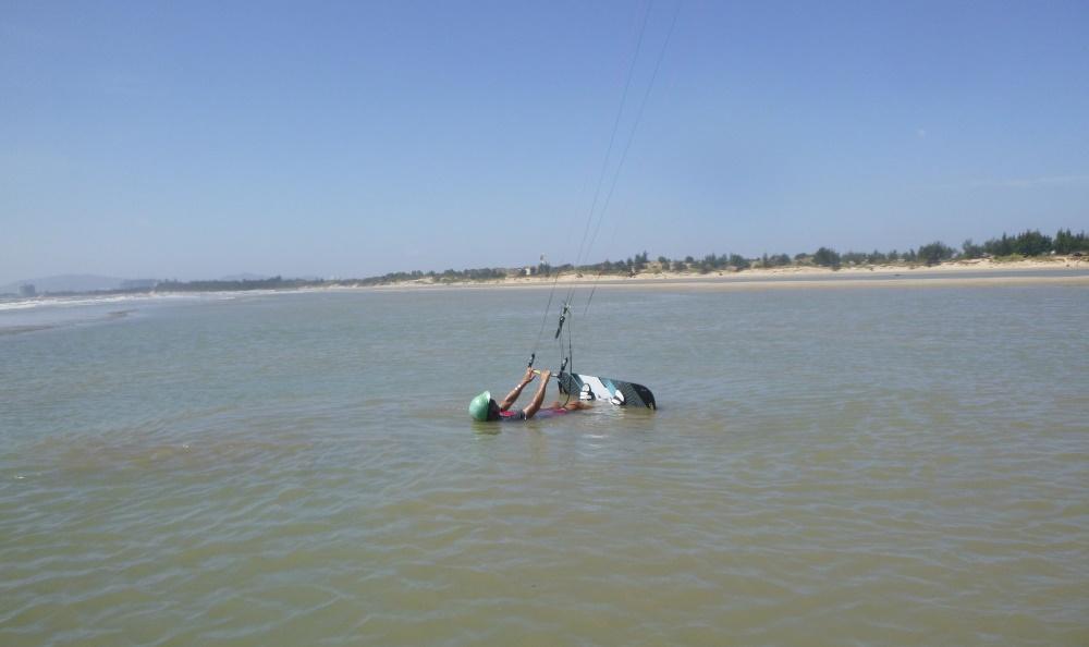 2a lướt ván diều ở Vũng Tàu
