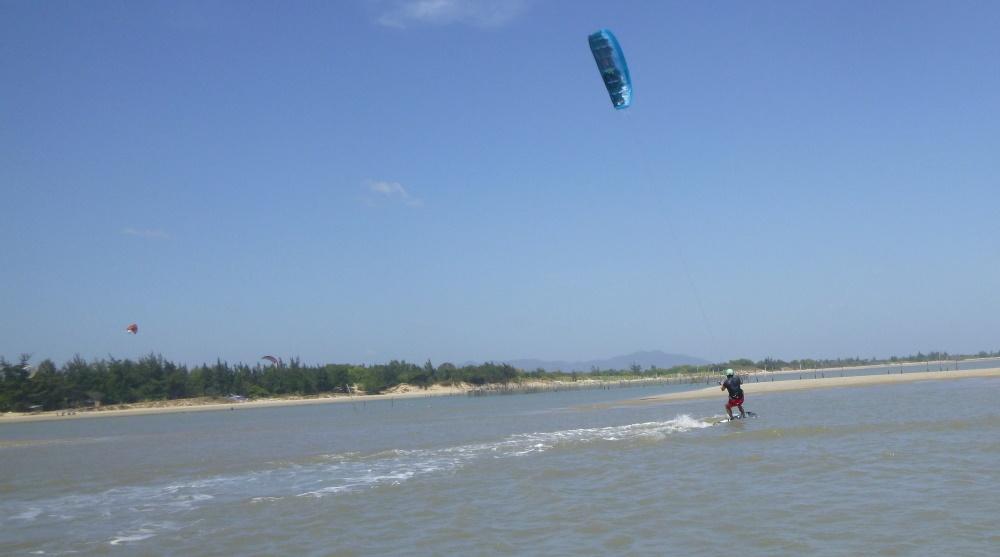 20 lướt ván diều ở Vũng Tàu