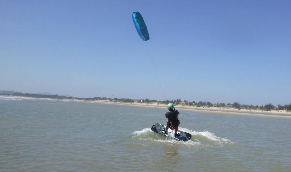 3 lướt ván diều ở Vũng Tàu