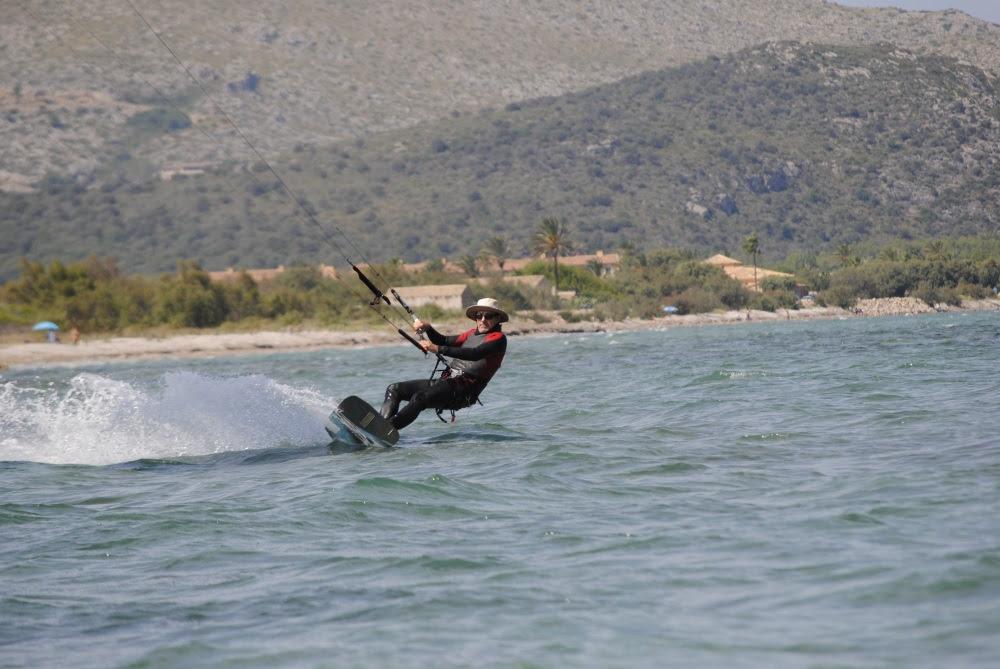 2 kiten sprungen in Vietnam kiteschule edging