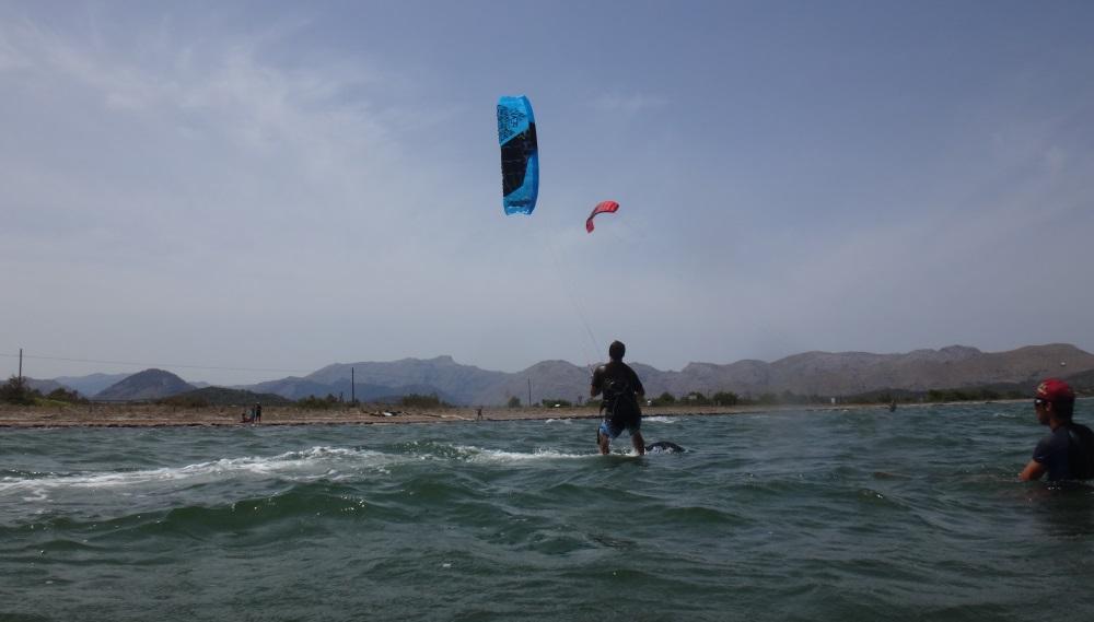 5 waterstart in Vietnam with flysurfer