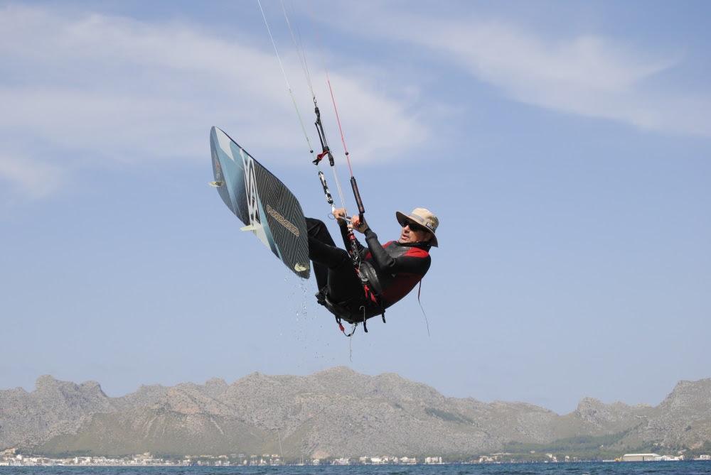 6 kiten sprungen in Vietnam kiteschule jump zenith
