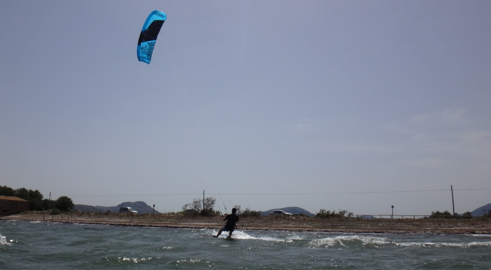 6 waterstart in Vietnam with flysurfer Peak