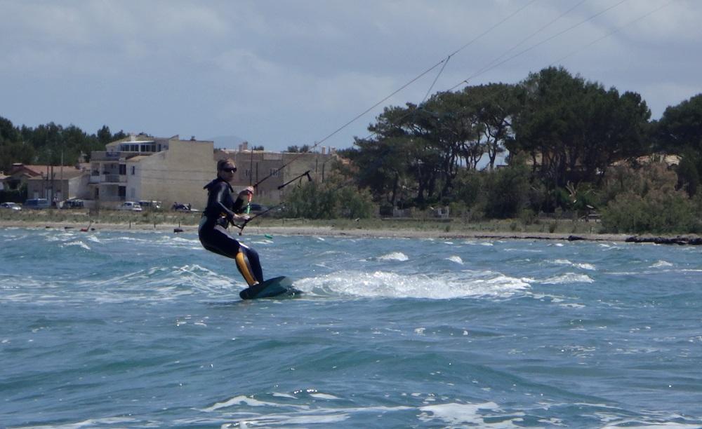 16 nuestros cursos de kitesurf los mas eficientes en Mallorca
