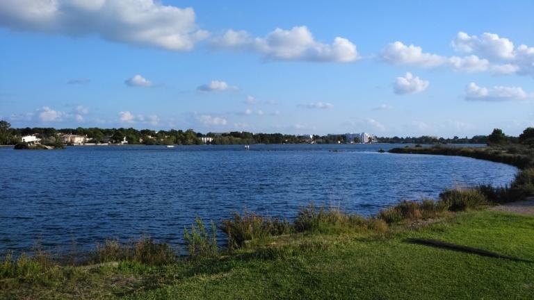16 zona levantar kites lago de Alcudia con viento del sur oeste