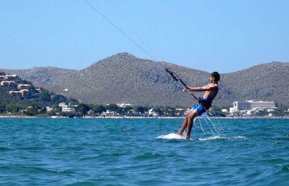2 waterstart despues de dos dias de curso de kitesurfing