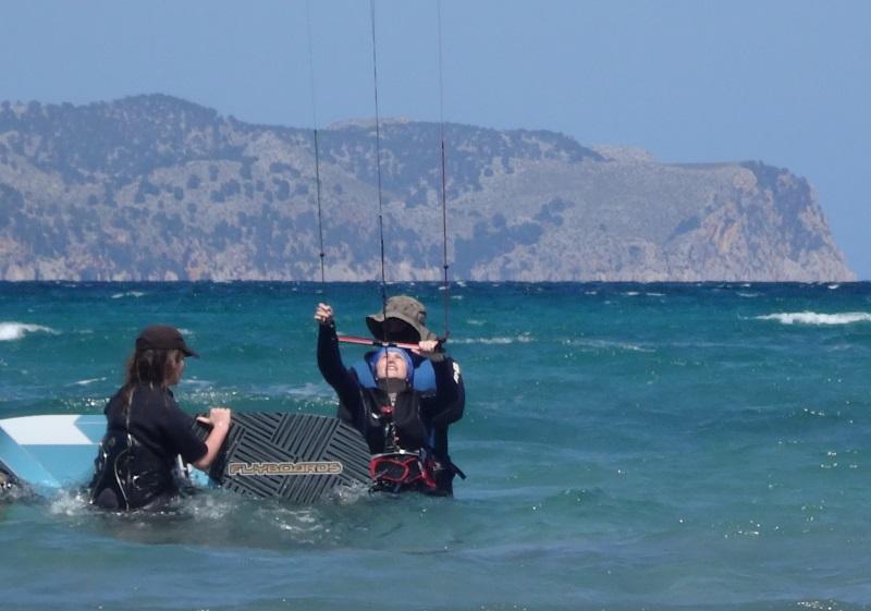 6 kitesurf en Mallorca aprendiendo