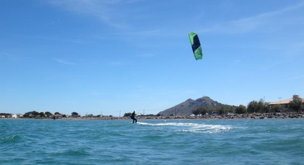 9 curso de kitesurf en familia