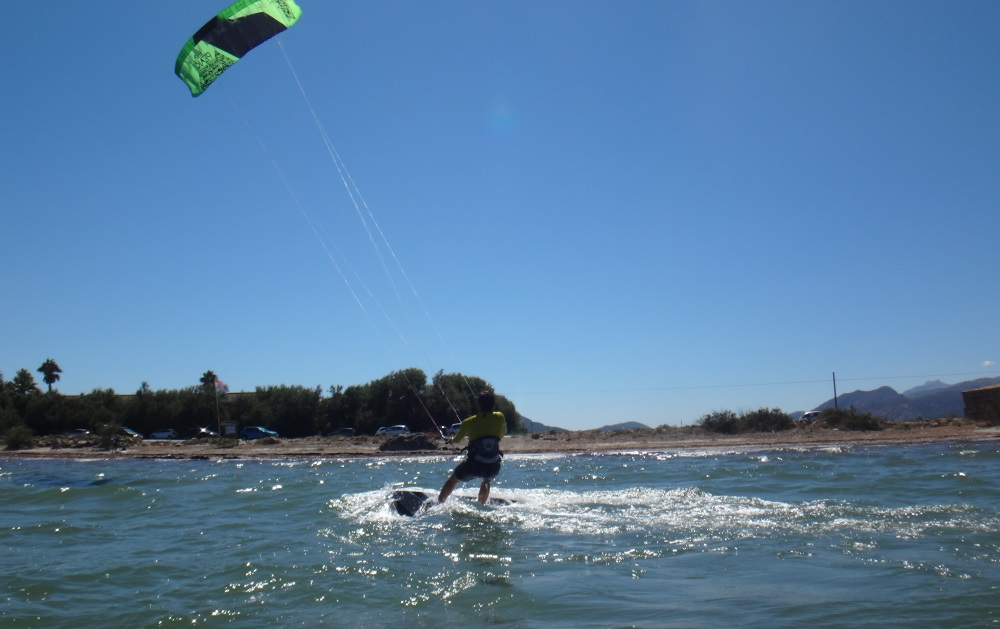 21-kiteboarding-Palma-de-Mallorca-riding-towarsd-Pollentia-beach
