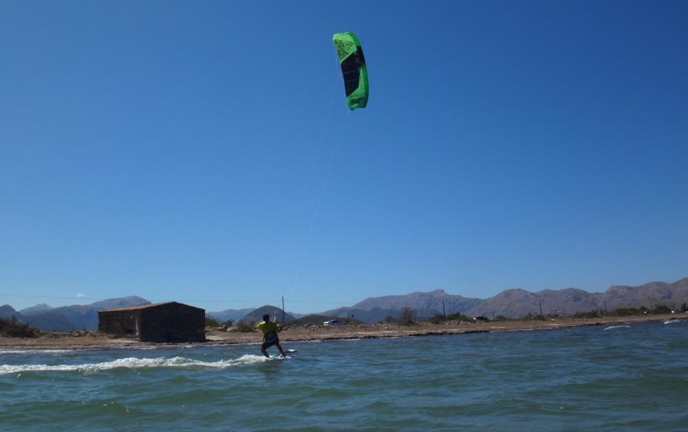 23-last-foto-ecole-de-kite-a-Majorque-kite-student-Hamza