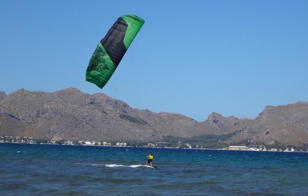 5-Hamza-a-majorque-practiquer-kitesurfing