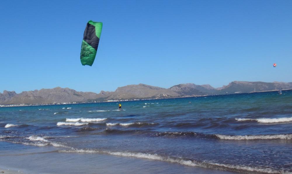 8-au-long-de-la-plage-mallorca-kitesurfen-schule