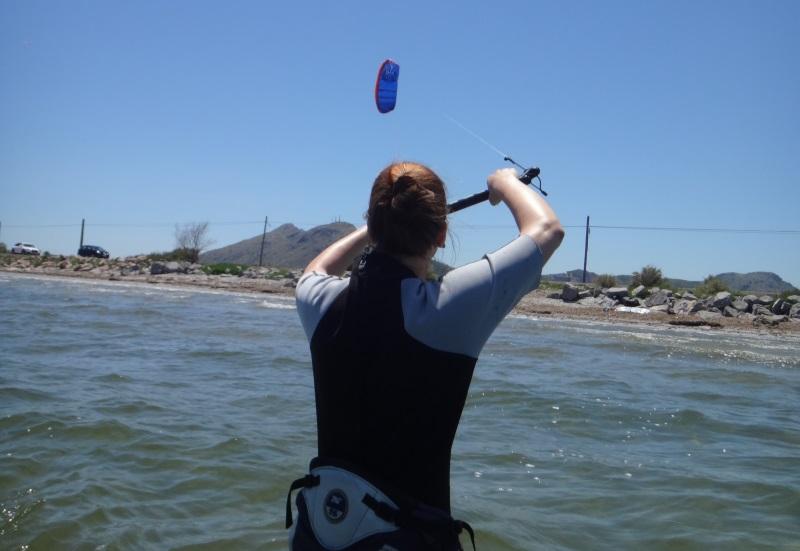 1-Mandy-kite-trainer-Flysurfer-kiteschule-Mallorca-kiten-lernen-mit-uns-kitemallorca-com