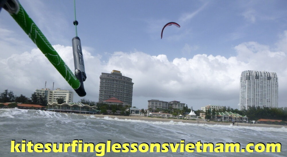 3 kitesurfing lessons vietnam