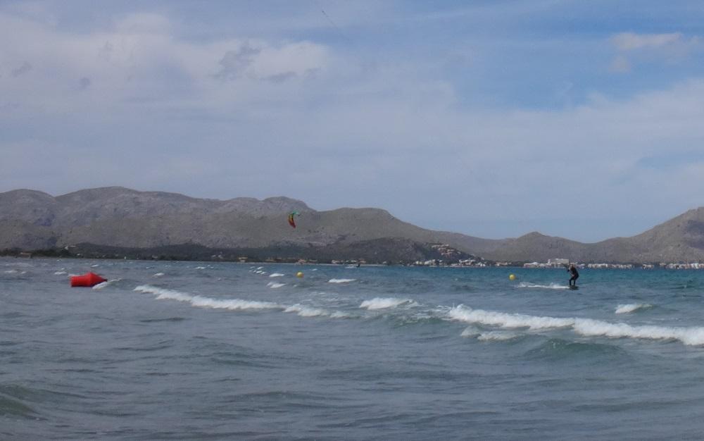 4-passing-fast-kiteschule-flysurfer-mallorca-Pollensa-spring-lessons