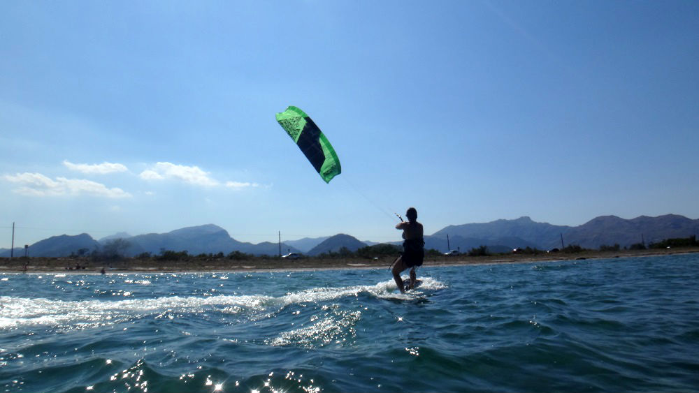 7 -Mª-Jose-starting-to-gain-high-kitesurfen-mallorca