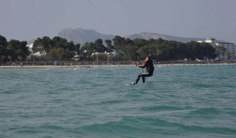 8-kitesurfing-fahren-kitekurs-auf-mallorca
