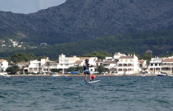 Es-Barcares-Mallorca-foilboarding-Flysurfer-Sonic-2