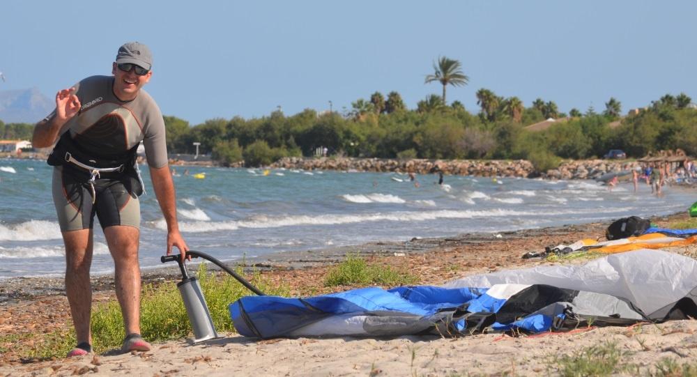 Super-Carlos-kite-www-kiten auf Mallorca mallorcakiteschool lhre beste kiteschule in Mallorca