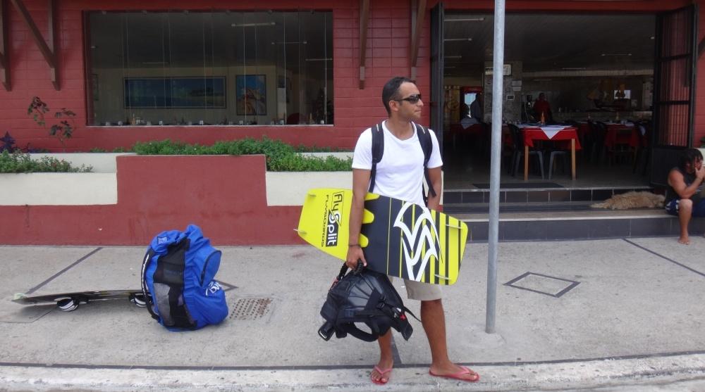 1 kitesurfing lessons vietnam kite blog - Isma a la espera