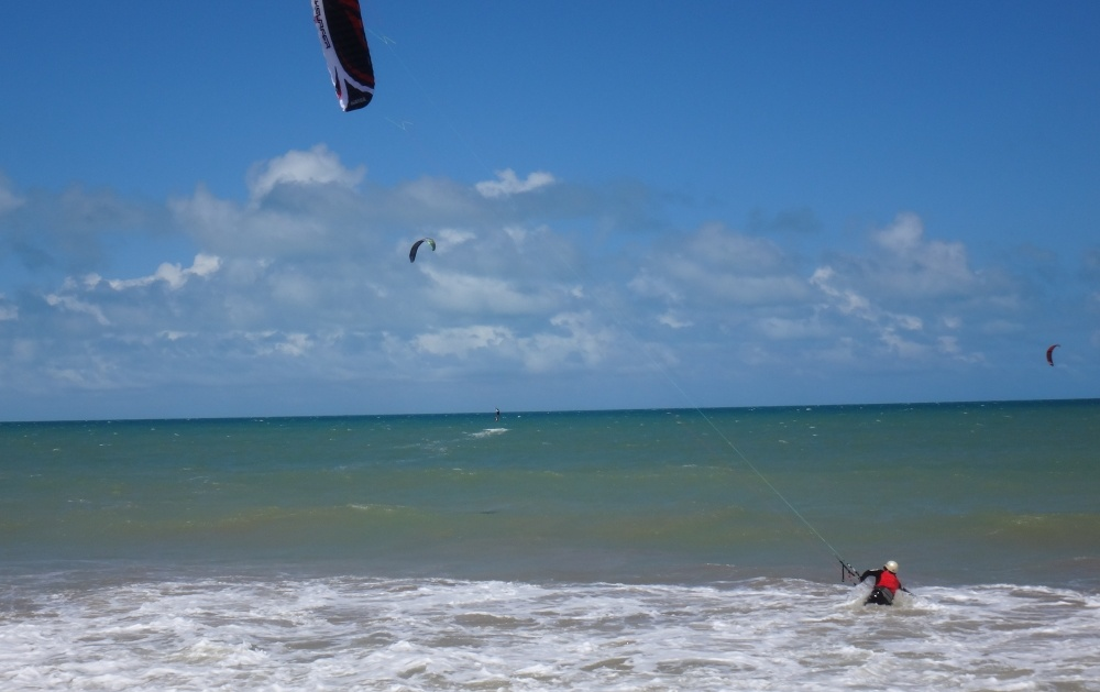 12 kitesurfing lessons vietnam- kitesurfing Brasil mi 8 Speed 4 standar