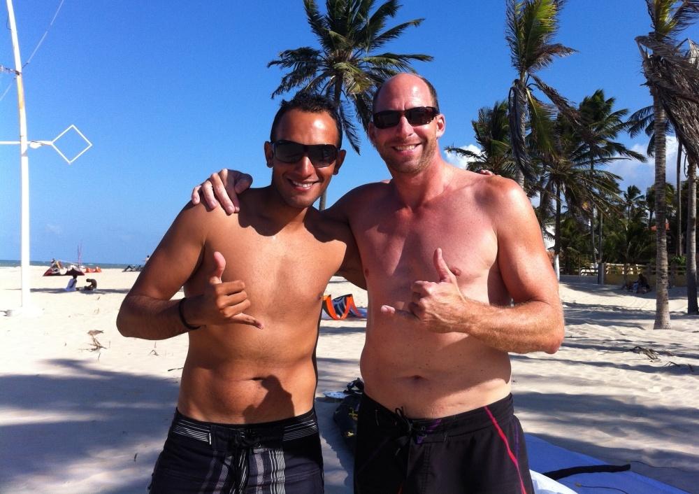 20 kitesurfing lessons vietnam- kitesurfing Brasil Isma y el aleman Toby